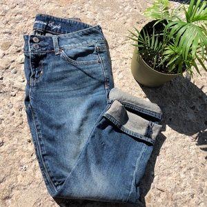 """A&E """"Artist"""" Crop Jeans"""